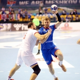 First win and precious points for Meshkov Brest